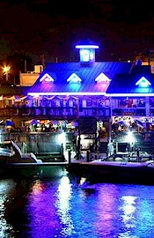picture of Gator's Cafe from the water